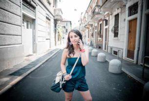 Sukienka hiszpanka – czy to rozwiązanie dla każdej kobiety